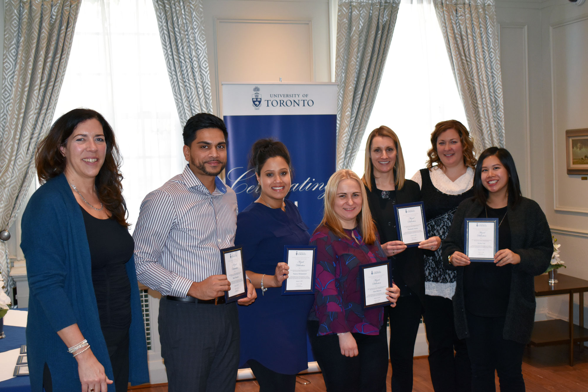 HR staff from the Faculty of Medicine pose with their HRE awards of distinction with VP Kelly Hannah-Moffat and CHRO Erin Jackson